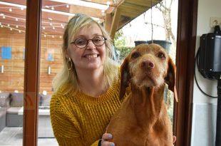 Kathleen Van der Vloedt in de prijzen met Honden Trimsalon Furfection - Essen - (c) Noordernieuws.be - HDB_3246