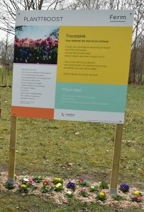 Troostplek Officieel geopend door Ferm Essen (c) Noordernieuws.be 2021 - Bord - Troost - HDB_3319