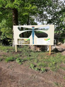 Bermborden informeren over ecologisch bermbeheer in Essen2