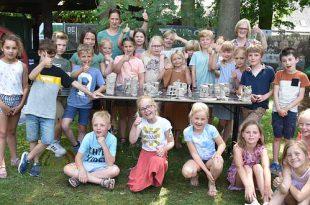 Leerlingen Wigo school beleven workshop beeldhouwen op Internationaal Beeldhouwerssymposium Karrenmuseum Essen - (c) Noordernieuws.be 2021 - HDB_4103u65