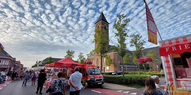 Avondmarkt Essen 2021 - (c) Noordernieuws.be - 20210806_195200