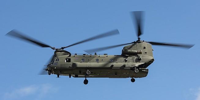 Helikopters doen vanaf september op maandag vliegoefeningen op vliegbasis Woensdrecht