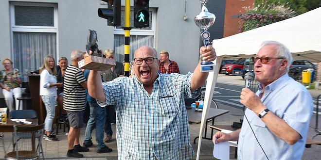 Winnaar visroken De Knorhaan 2021 - Rinus Lukassen - (c) Noordernieuws.be - HDB_4624s75