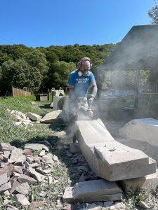 Kalmthoutse beeldhouwer Jorg Van Daele doet iets bijzonders in Oekraïne